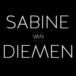 Sabine van Diemen | Female Magician